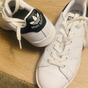 Adidas Stan Smith sneakers in white and black